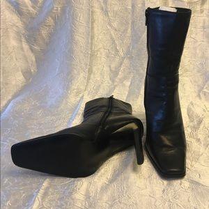 Skechers black boots